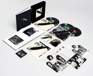 led-zeppelin-1-super-deluxe-box-set-530x433